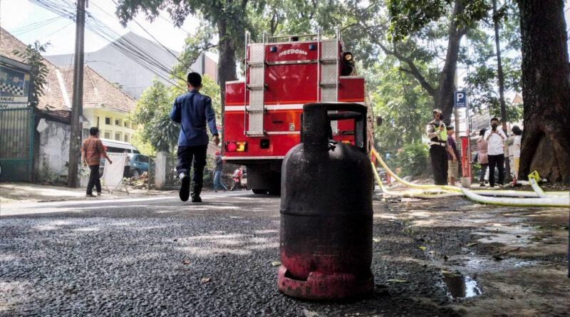 Ruko Sate Taichan di Tamansari Terbakar, Api Diduga Berasal dari Kebocoran Gas